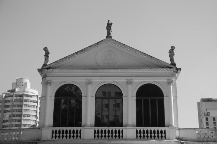 Por que devo conhecer o Museu da CasaBrasileira?